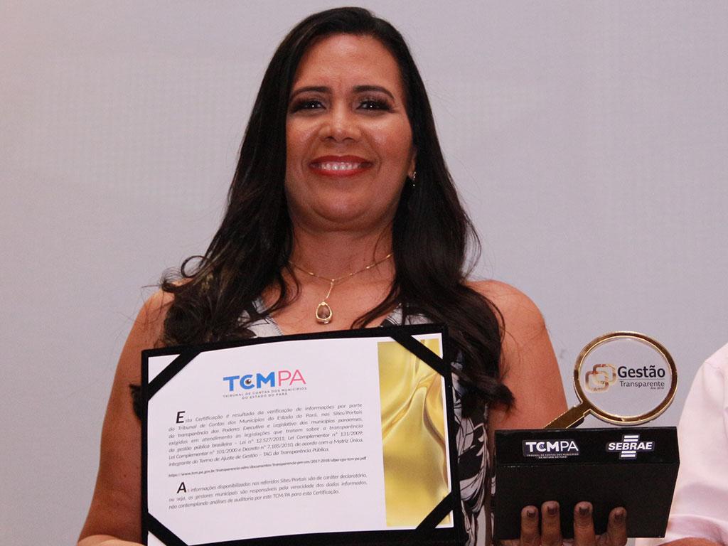 Luciana Castanaheira – Câmara Municipal de Castanhal – Cliente CR2